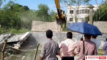 রূপগঞ্জে শীতলক্ষ্যারতীরে ৪০অবৈধ স্থাপনা উচ্ছেদ